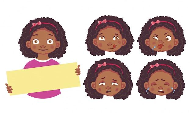 空白のポスターセットを保持しているアフリカの女の子
