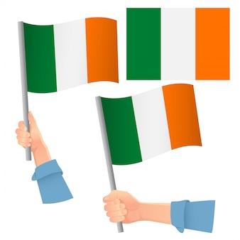 Флаг ирландии в руке