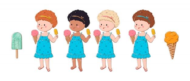 Милые маленькие девочки едят мороженое