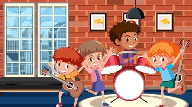 バンドで音楽を遊んでいる子供たちと部屋