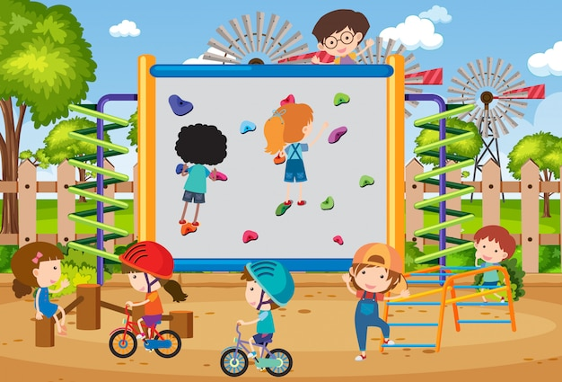 Фоновая сцена со счастливыми детьми в парке