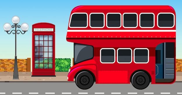 都市のロンドンダブルデッカーバス