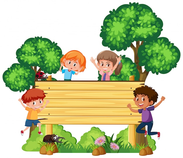 幸せな子供たちと木製看板