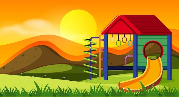 夕日の遊び場のスライド