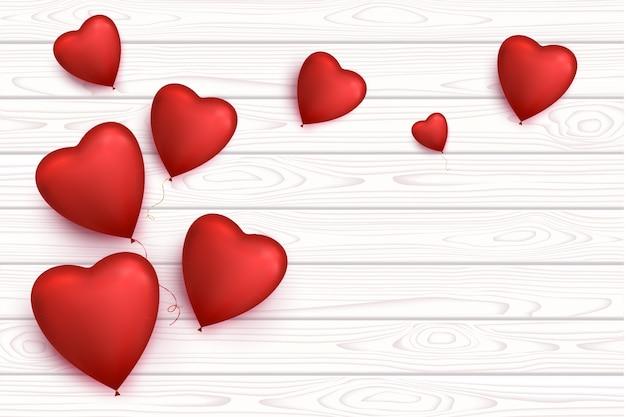 バレンタインデーハート風船が分離された空白の木製バナー。ロマンチックな背景。