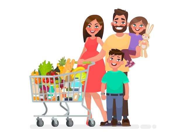 Счастливая семья с продуктовой тележкой, полной продуктов, делает покупки в супермаркете.