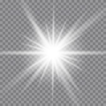Белый светящийся свет взрывается на прозрачном. сверкающие магические частицы пыли. яркая звезда. прозрачное сияющее солнце, яркая вспышка