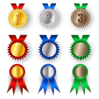 Комплект из золотой, серебряной и бронзовой наградной медали.