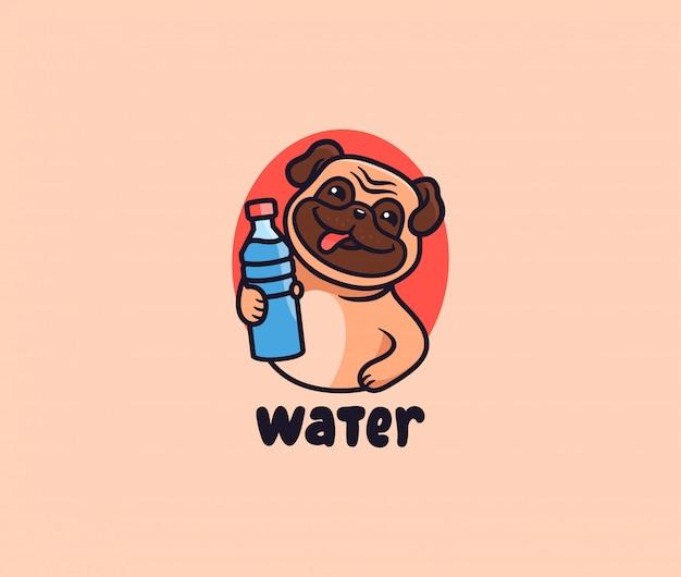 Милый мопс с логотипом воды. щенок с надписью