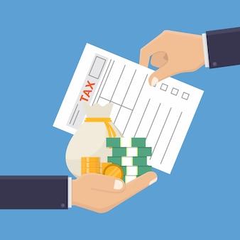 Рука держит налоговую форму и деньги