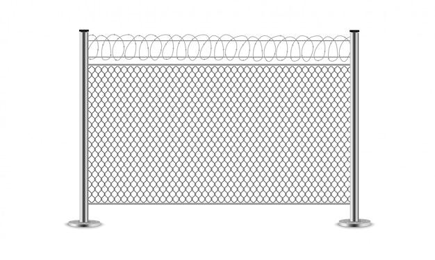 Металлический проволочный забор. стальные ворота. сетка, колючая проволока.