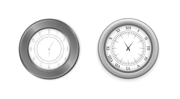 モダンな白、黒の丸い壁掛け時計、黒い時計の文字盤と時計のモックアップ。白と黒の壁のオフィスの時計のアイコンを設定します。ブランディングと広告のモックアップ。