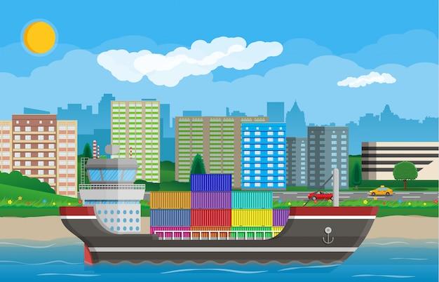 Грузовой корабль, контейнеры, городской пейзаж. портовая логистика