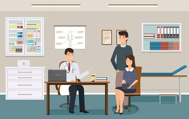 Врач в форме дает двум пациентам лекарственные препараты. семья на консультации врача в кабинете поликлиники.