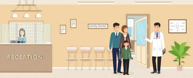 私立診療所の医師の診察の近くに子供連れの家族。制服を着た医師と患者の家族。