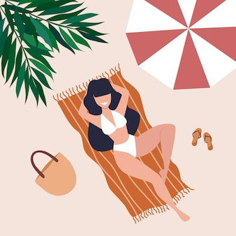 Молодая женщина с длинными темными волосами лежит на полотенце на пляже под зонтиком и пальмой. иллюстрация летнего времени
