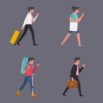 バッグとスーツケースを彼の携帯電話の画面を見て歩いている男性のセット