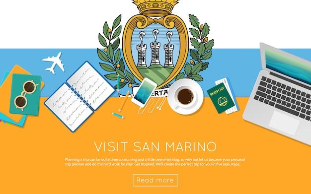 サンマリノのコンセプトをご覧ください。サンマリノの国旗のノートパソコン、サングラス、コーヒーカップの平面図です。フラットスタイルの旅行計画のウェブサイトのヘッダー。