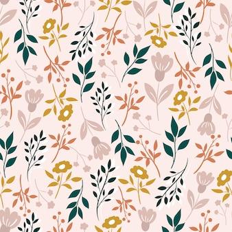 Бесшовный узор с листьями и цветами