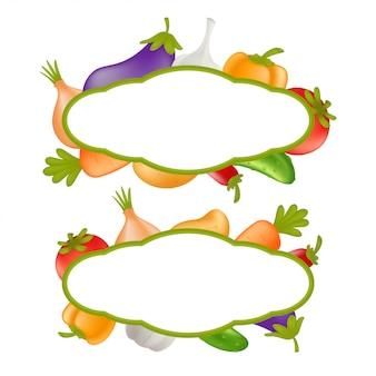 野菜セット。ニンジン、キュウリ、パプリカ、ジャガイモ、ニンニク、タマネギ、トマト、ナス、ピーマンの白い背景で隔離から成る野菜フレームと漫画健康食品のコンセプト