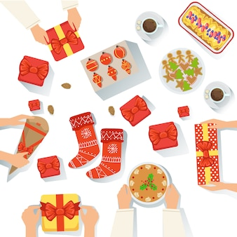 Семья с традиционной подачей на празднование рождества