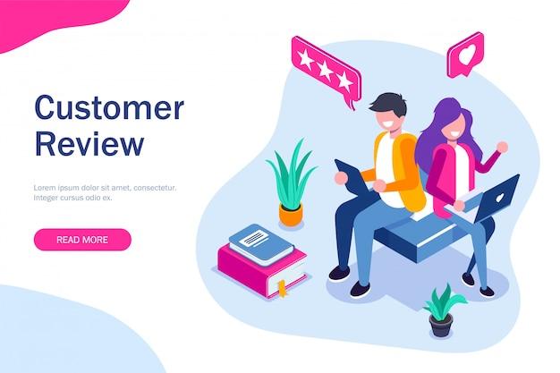 Отзыв клиента. парень и девушка оставляют положительный отзыв о приложении или веб-сервисе. используйте портативные устройства