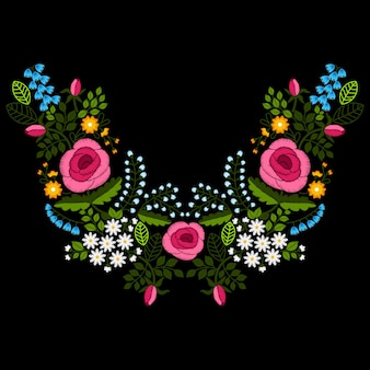ワイルドフラワーとバラ、イラストのネックライン刺繍。
