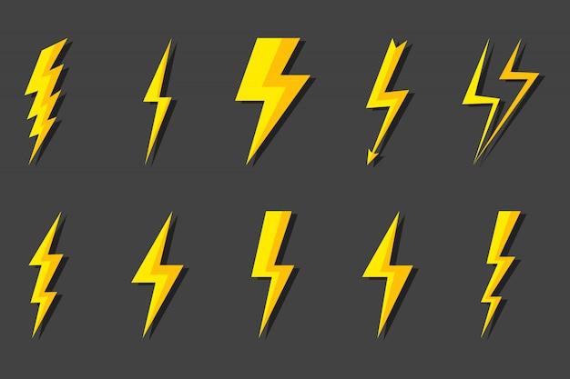 Установить молния. удар молнии, удар молнии. современный плоский стиль иллюстрации.