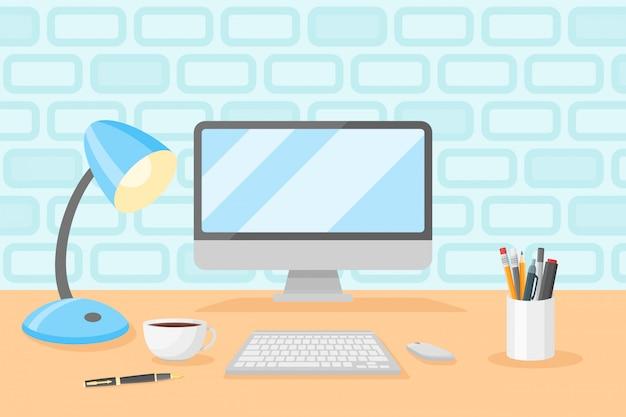 Рабочий стол с персональным компьютером, настольной лампой, чашкой кофе, карандашами и ручками. на рабочем месте плоский стиль