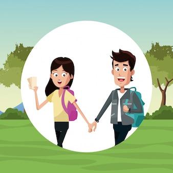 歩く若いカップル