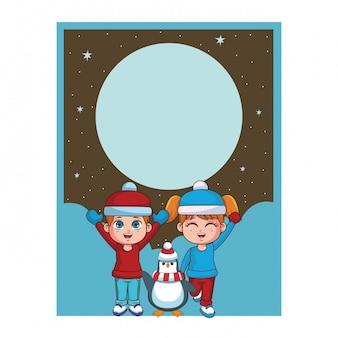 Зимний мальчик и девочка с картой пингвина