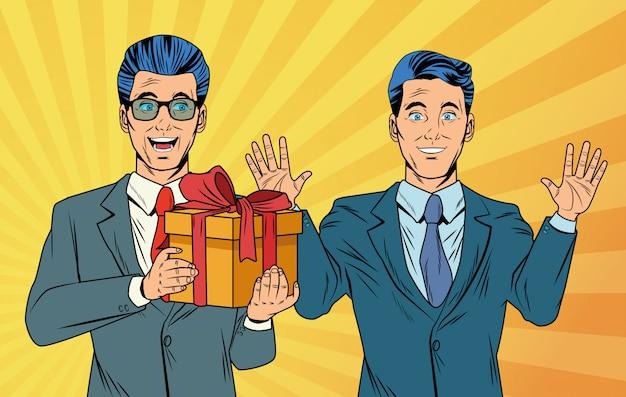 Поп-арт бизнесменов с подарочной коробкой мультфильмов