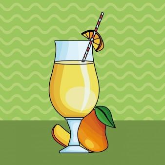 Вкусный и натуральный сок с фруктами
