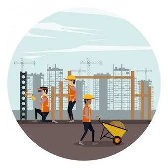 労働者がいる建設区域の下