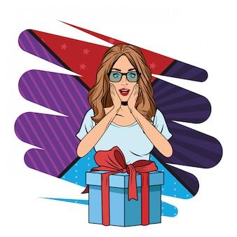 Молодая женщина с подарочной коробкой поп-арт