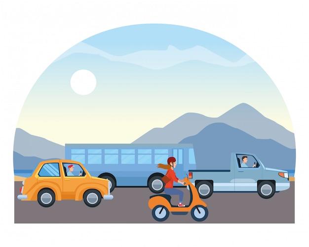 Транспортные средства и мотоцикл с водителями верхом