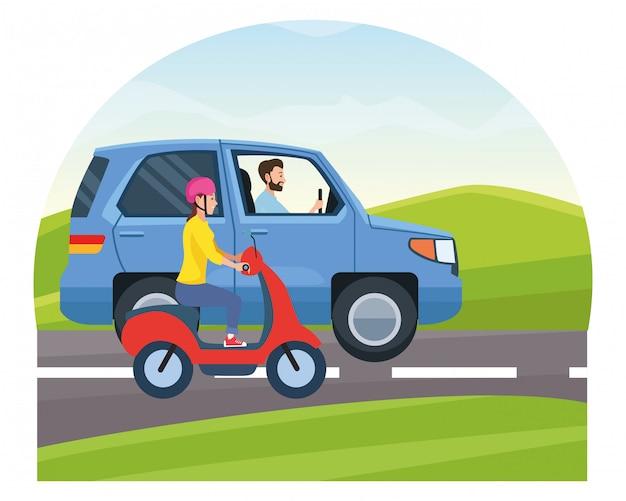 Автомобиль и мотоцикл с водителем верхом