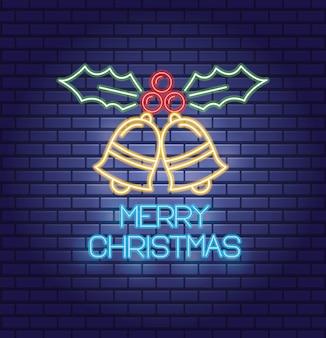Веселые рождественские колокольчики и листья с неоновыми огнями открытка