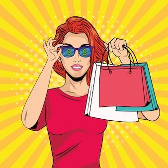 Молодая девушка с покупками и солнцезащитные очки в стиле поп-арт