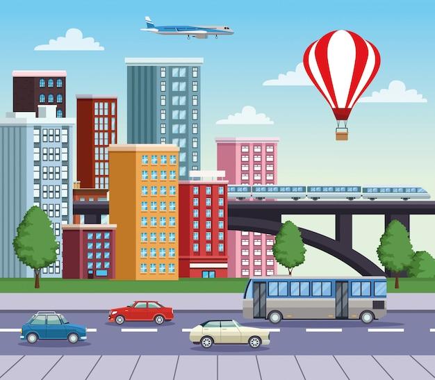 Городской пейзаж зданий с дорогой и транспортными средствами