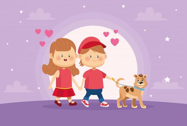 犬のマスコットとかわいい小さな子供のカップル