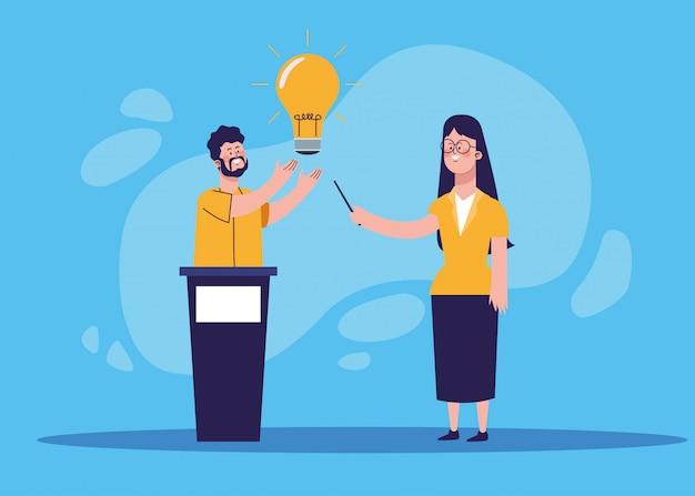 トリビューンと電球を指している女性の男