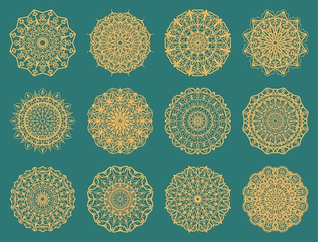 豪華なマンダラのセットです。エスニックオリエンタル、インド風の一時的な刺青の花の装飾。落書き飾り。概要手描きイラスト