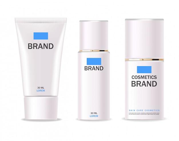 現実的な化粧品、ホワイトボトル、パッケージ、スキンケア製品、治療、孤立したコンテナーセット、クレンザー、トナー、クリーム