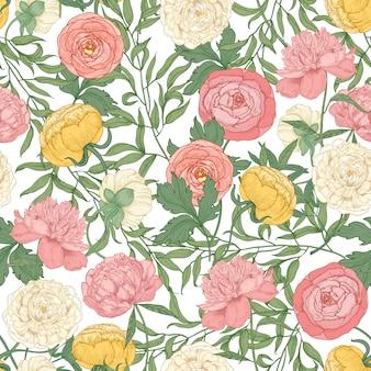豪華な咲くチューリップ、牡丹、ラナンキュラスの花と植物のシームレスパターン