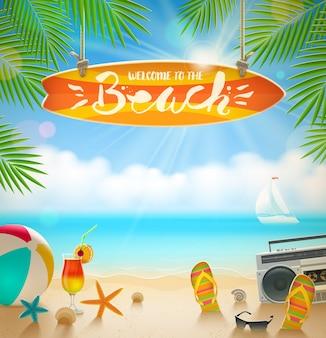 Вывеска для серфинга с рисованной каллиграфии - добро пожаловать на пляж. летние каникулы и пляжный отдых иллюстрации. пляжные принадлежности на берегу тропического моря.