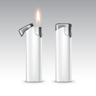 炎で空白の白いプラスチック金属ライターをクローズアップで孤立した白い背景