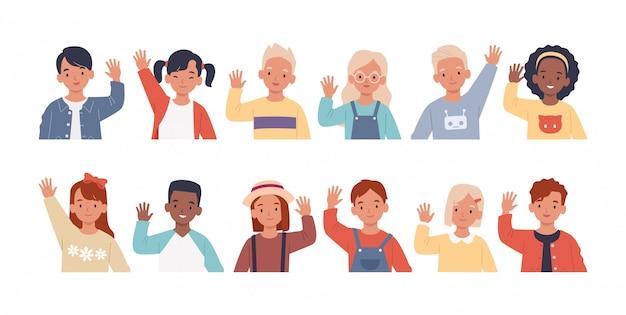 Набор детей, размахивая руками в знак приветствия. сбор детей, юношей и девушек здороваются, поднимают руки. иллюстрация в плоском стиле