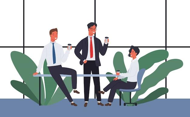 Бизнесмены пьют кофе и встречаются, чтобы поболтать