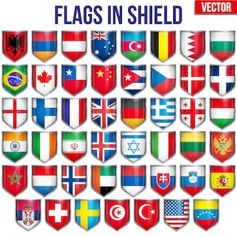 Набор щит с флагами